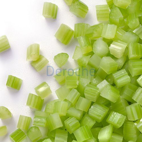 Garniture de celeri vert coupée